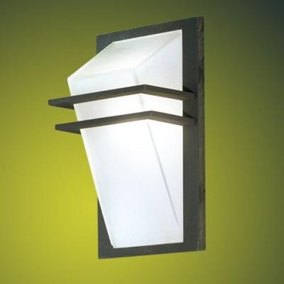 Eglo PARK 83433 светильник уличныйНастенные<br>Обеспечение качественного уличного освещения – важная задача для владельцев коттеджей. Компания «Светодом» предлагает современные светильники, которые порадуют Вас отличным исполнением. В нашем каталоге представлена продукция известных производителей, пользующихся популярностью благодаря высокому качеству выпускаемых товаров.   Уличный светильник Eglo 83433 не просто обеспечит качественное освещение, но и станет украшением Вашего участка. Модель выполнена из современных материалов и имеет влагозащитный корпус, благодаря которому ей не страшны осадки.   Купить уличный светильник Eglo 83433, представленный в нашем каталоге, можно с помощью онлайн-формы для заказа. Чтобы задать имеющиеся вопросы, звоните нам по указанным телефонам.<br><br>Тип лампы: накаливания / энергосбережения / LED-светодиодная<br>Тип цоколя: E27<br>Количество ламп: 1<br>MAX мощность ламп, Вт: 60<br>Длина, мм: 200<br>Расстояние от стены, мм: 145<br>Высота, мм: 350<br>Оттенок (цвет): белый<br>Цвет арматуры: черный<br>Общая мощность, Вт: 2