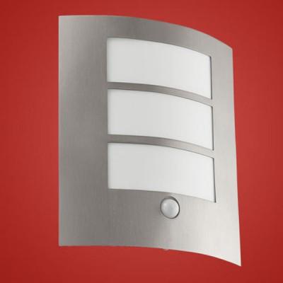 Eglo CITY 88142 светильник уличныйНастенные<br>Энергосберегающие парковые светильники EGLO CITY (IP33) — светильники для наружного освещения. Светильник 1, 3, 4, 5 — новинка 2008. Степень защиты IP33 — защита от твердых тел gt  2.5 мм, защита от дождя. Светильники 1, 3, 5 имеют датчики движения. Рассеиватель пластиковый  арматура светильников 1, 2, 3, 4 — из нержавеющей стали, арматура светильников 5, 6 — из окрашенной стали. Светильники рассчитаны на энергосберегающую компактную люминесцентную лампу PL/E 15W E27. Цвет: 1, 2, 3, 4 — нержавеющая сталь (stainless steel), 5, 6 — антрацит (anthracite).<br><br>Тип цоколя: E27<br>MAX мощность ламп, Вт: 60<br>Длина, мм: 235<br>Расстояние от стены, мм: 90<br>Высота, мм: 260<br>Оттенок (цвет): белый<br>Цвет арматуры: серебристый<br>Общая мощность, Вт: 2