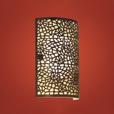 Eglo ALMERA 89115 Настенно-потолочный светильникНакладные<br>Австрийское качество модели светильника Eglo 89115 не оставит равнодушным каждого купившего! Матовое закаленное стекло(пр-во Чехия), стальной корпус с защитно/декративным покрытием цвета антик, Класс изоляции 3 (двойная изоляция), IP 20, освещенность 806 lm ,Н=250L=180,1X60W,E27.<br><br>S освещ. до, м2: 4<br>Тип лампы: накаливания / энергосбережения / LED-светодиодная<br>Тип цоколя: E14<br>Количество ламп: 1<br>MAX мощность ламп, Вт: 2<br>Размеры основания, мм: 0<br>Длина, мм: 180<br>Расстояние от стены, мм: 75<br>Высота, мм: 250<br>Оттенок (цвет): шампань<br>Цвет арматуры: коричневый<br>Общая мощность, Вт: 1X60W