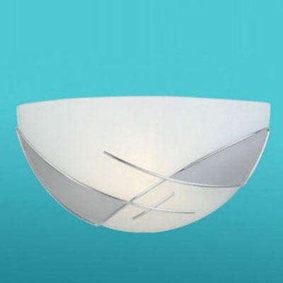 Eglo RAYA 89759 Настенно-потолочный светильникНакладные<br>Австрийское качество модели светильника Eglo 89759 не оставит равнодушным каждого купившего! Матовое закаленное стекло(пр-во Чехия) c металическим декором(хром), Белый металический корпус, Класс изоляции 2 (двойная изоляция), IP 20, Экологически безопасные технологии.,L=300Н=150,1X60W,E27.<br><br>S освещ. до, м2: 4<br>Тип лампы: накаливания / энергосбережения / LED-светодиодная<br>Тип цоколя: E27<br>Количество ламп: 1<br>MAX мощность ламп, Вт: 2<br>Размеры основания, мм: 0<br>Длина, мм: 300<br>Расстояние от стены, мм: 115<br>Высота, мм: 150<br>Оттенок (цвет): белый, серебряный<br>Цвет арматуры: белый<br>Общая мощность, Вт: 1X60W
