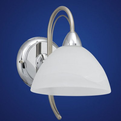 Eglo MILEA 89824 Светильник настенный браКлассические<br>Австрийское качество модели светильника Eglo 89824 не оставит равнодушным каждого купившего! Закаленное алебастровое белое стекло (пр-во Чехия) , основание хромированная сталь с никелевыми матирующими вставками , Класс изоляции 2 (двойная изоляция до лампы), IP 20, освещенность 470 lm ,L=170Н=245,1X40W,E14.<br><br>S освещ. до, м2: 2<br>Тип лампы: накаливания / энергосбережения / LED-светодиодная<br>Тип цоколя: E14<br>Количество ламп: 1<br>MAX мощность ламп, Вт: 2<br>Размеры основания, мм: 0<br>Длина, мм: 170<br>Расстояние от стены, мм: 240<br>Высота, мм: 245<br>Оттенок (цвет): белый<br>Цвет арматуры: серый<br>Общая мощность, Вт: 1X40W