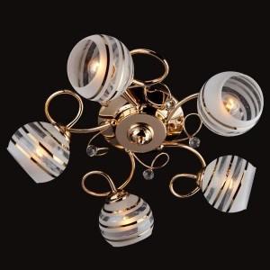 Люстра Евросвет 9134/5 золотоПотолочные<br>Компания «Светодом» предлагает широкий ассортимент люстр от известных производителей. Представленные в нашем каталоге товары выполнены из современных материалов и обладают отличным качеством. Благодаря широкому ассортименту Вы сможете найти у нас люстру под любой интерьер. Мы предлагаем как классические варианты, так и современные модели, отличающиеся лаконичностью и простотой форм.  Стильная люстра Евросвет 9134/5 станет украшением любого дома. Эта модель от известного производителя не оставит равнодушным ценителей красивых и оригинальных предметов интерьера. Люстра Евросвет 9134/5 обеспечит равномерное распределение света по всей комнате. При выборе обратите внимание на характеристики, позволяющие приобрести наиболее подходящую модель. Купить понравившуюся люстру по доступной цене Вы можете в интернет-магазине «Светодом».<br><br>Установка на натяжной потолок: Ограничено<br>S освещ. до, м2: 20<br>Крепление: Планка<br>Тип лампы: накаливания / энергосбережения / LED-светодиодная<br>Тип цоколя: E27<br>Количество ламп: 5<br>MAX мощность ламп, Вт: 60<br>Диаметр, мм мм: 520<br>Высота, мм: 160<br>Цвет арматуры: золотой