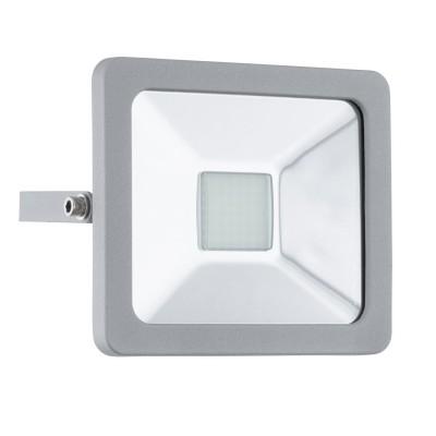 Eglo FAEDO 1 95404 светильник уличныйНастенные<br>Обеспечение качественного уличного освещения – важная задача для владельцев коттеджей. Компания «Светодом» предлагает современные светильники, которые порадуют Вас отличным исполнением. В нашем каталоге представлена продукция известных производителей, пользующихся популярностью благодаря высокому качеству выпускаемых товаров.   Уличный светильник Eglo 95404 не просто обеспечит качественное освещение, но и станет украшением Вашего участка. Модель выполнена из современных материалов и имеет влагозащитный корпус, благодаря которому ей не страшны осадки.   Купить уличный светильник Eglo 95404, представленный в нашем каталоге, можно с помощью онлайн-формы для заказа. Чтобы задать имеющиеся вопросы, звоните нам по указанным телефонам.<br><br>Цветовая t, К: 6500 (холодный белый)<br>Тип лампы: LED<br>Тип цоколя: LED<br>MAX мощность ламп, Вт: 20<br>Длина, мм: 160<br>Расстояние от стены, мм: 50<br>Высота, мм: 140<br>Оттенок (цвет): прозрачный<br>Цвет арматуры: серебристый<br>Общая мощность, Вт: 2