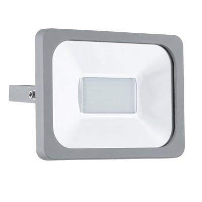 Eglo FAEDO 1 95405 светильник уличныйНастенные<br>Обеспечение качественного уличного освещения – важная задача для владельцев коттеджей. Компания «Светодом» предлагает современные светильники, которые порадуют Вас отличным исполнением. В нашем каталоге представлена продукция известных производителей, пользующихся популярностью благодаря высокому качеству выпускаемых товаров.   Уличный светильник Eglo 95405 не просто обеспечит качественное освещение, но и станет украшением Вашего участка. Модель выполнена из современных материалов и имеет влагозащитный корпус, благодаря которому ей не страшны осадки.   Купить уличный светильник Eglo 95405, представленный в нашем каталоге, можно с помощью онлайн-формы для заказа. Чтобы задать имеющиеся вопросы, звоните нам по указанным телефонам.<br><br>Цветовая t, К: 6500 (холодный белый)<br>Тип лампы: LED<br>Тип цоколя: LED<br>MAX мощность ламп, Вт: 30<br>Длина, мм: 205<br>Расстояние от стены, мм: 50<br>Высота, мм: 155<br>Оттенок (цвет): прозрачный<br>Цвет арматуры: серебристый<br>Общая мощность, Вт: 2