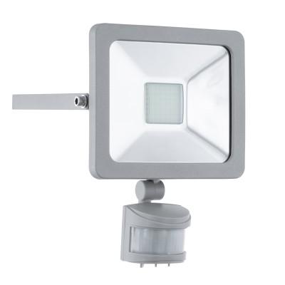 Eglo FAEDO 1 95408 светильник уличныйCветодиодные<br>Обеспечение качественного уличного освещения – важная задача для владельцев коттеджей. Компания «Светодом» предлагает современные светильники, которые порадуют Вас отличным исполнением. В нашем каталоге представлена продукция известных производителей, пользующихся популярностью благодаря высокому качеству выпускаемых товаров.   Уличный светильник Eglo 95408 не просто обеспечит качественное освещение, но и станет украшением Вашего участка. Модель выполнена из современных материалов и имеет влагозащитный корпус, благодаря которому ей не страшны осадки.   Купить уличный светильник Eglo 95408, представленный в нашем каталоге, можно с помощью онлайн-формы для заказа. Чтобы задать имеющиеся вопросы, звоните нам по указанным телефонам.<br><br>Цветовая t, К: 6500 (холодный белый)<br>Тип лампы: LED<br>Тип цоколя: LED<br>MAX мощность ламп, Вт: 20<br>Длина, мм: 160<br>Расстояние от стены, мм: 50<br>Высота, мм: 220<br>Оттенок (цвет): прозрачный<br>Цвет арматуры: серебристый<br>Общая мощность, Вт: 2