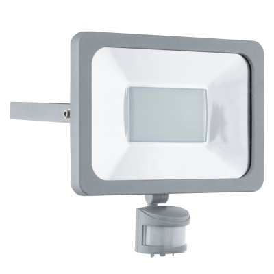 Eglo FAEDO 1 95411 светильник уличныйCветодиодные<br>Обеспечение качественного уличного освещения – важная задача для владельцев коттеджей. Компания «Светодом» предлагает современные светильники, которые порадуют Вас отличным исполнением. В нашем каталоге представлена продукция известных производителей, пользующихся популярностью благодаря высокому качеству выпускаемых товаров.   Уличный светильник Eglo 95411 не просто обеспечит качественное освещение, но и станет украшением Вашего участка. Модель выполнена из современных материалов и имеет влагозащитный корпус, благодаря которому ей не страшны осадки.   Купить уличный светильник Eglo 95411, представленный в нашем каталоге, можно с помощью онлайн-формы для заказа. Чтобы задать имеющиеся вопросы, звоните нам по указанным телефонам.<br><br>Цветовая t, К: 6500 (холодный белый)<br>Тип лампы: LED<br>Тип цоколя: LED<br>Цвет арматуры: серебристый<br>Длина, мм: 245<br>Расстояние от стены, мм: 50<br>Высота, мм: 250<br>Оттенок (цвет): прозрачный<br>MAX мощность ламп, Вт: 50<br>Общая мощность, Вт: 2