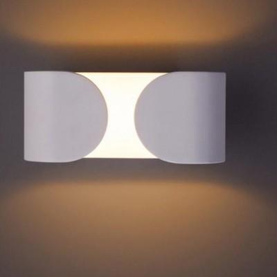 A1419AP-1WH Arte lamp СветильникХай-тек<br><br><br>Цветовая t, К: 3000K<br>Тип цоколя: LED<br>Количество ламп: 1<br>MAX мощность ламп, Вт: 6W<br>Диаметр, мм мм: 100<br>Размеры: 160*70*100<br>Длина, мм: 160<br>Высота, мм: 70<br>Цвет арматуры: БЕЛЫЙ<br>Общая мощность, Вт: 6W