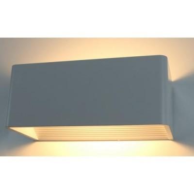 A1422AP-1WH Arte lamp СветильникХай-тек<br><br><br>Цветовая t, К: 3000K<br>Тип цоколя: LED<br>Количество ламп: 1<br>MAX мощность ламп, Вт: 9W<br>Диаметр, мм мм: 100<br>Размеры: 200*100*80<br>Длина, мм: 200<br>Высота, мм: 80<br>Цвет арматуры: БЕЛЫЙ<br>Общая мощность, Вт: 9W