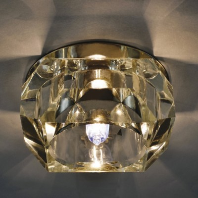 Светильник встраиваемый Arte lamp A8046PL-1CC BrilliantХрустальные<br>Встраиваемые светильники – популярное осветительное оборудование, которое можно использовать в качестве основного источника или в дополнение к люстре. Они позволяют создать нужную атмосферу атмосферу и привнести в интерьер уют и комфорт.   Интернет-магазин «Светодом» предлагает стильный встраиваемый светильник ARTE Lamp A8046PL-1CC. Данная модель достаточно универсальна, поэтому подойдет практически под любой интерьер. Перед покупкой не забудьте ознакомиться с техническими параметрами, чтобы узнать тип цоколя, площадь освещения и другие важные характеристики.   Приобрести встраиваемый светильник ARTE Lamp A8046PL-1CC в нашем онлайн-магазине Вы можете либо с помощью «Корзины», либо по контактным номерам. Мы доставляем заказы по Москве, Екатеринбургу и остальным российским городам.<br><br>S освещ. до, м2: 4<br>Тип лампы: галогенная<br>Тип цоколя: G9<br>Количество ламп: 1<br>Ширина, мм: 80<br>MAX мощность ламп, Вт: 50<br>Диаметр, мм мм: 80<br>Диаметр врезного отверстия, мм: 55<br>Высота, мм: 40<br>Цвет арматуры: серебристый