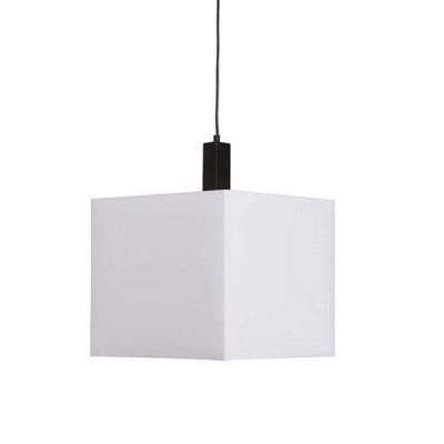 Светильник Arte lamp A8880SP-1BK Waverleyснятые с производства светильники<br>Подвесной светильник Arte lamp A8880SP-1BK идеально подходит для подсветки небольшой (до 4 кв.м.) комнаты, оформленной в современном стиле, или ее определенного участка. «Геометрический» квадратный плафон смотрится элегантно, а необычный дизайнерский ход – использование текстиля и натурального дерева в качестве материалов конструкции – придает образу «изюминку» и очарование, делая его более «мягким» и «уютным». Чтобы интерьер выглядел «цельным», гармоничным и тщательно подобранным, рекомендуем<br><br>S освещ. до, м2: 4<br>Тип лампы: накаливания / энергосбережения / LED-светодиодная<br>Тип цоколя: E27<br>Цвет арматуры: никель/дерево<br>Количество ламп: 1<br>Ширина, мм: 350<br>Диаметр, мм мм: 350<br>Длина цепи/провода, мм: 1000<br>Длина, мм: 1900<br>Высота, мм: 400<br>MAX мощность ламп, Вт: 60