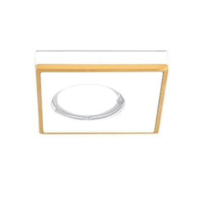 Светильник Gauss Aluminium AL002 Квадрат. Белый/Золото, Gu5.3Квадратные<br>Встраиваемые светильники – популярное осветительное оборудование, которое можно использовать в качестве основного источника или в дополнение к люстре. Они позволяют создать нужную атмосферу атмосферу и привнести в интерьер уют и комфорт.   Интернет-магазин «Светодом» предлагает стильный встраиваемый светильник Gauss Aluminium AL002. Данная модель достаточно универсальна, поэтому подойдет практически под любой интерьер. Перед покупкой не забудьте ознакомиться с техническими параметрами, чтобы узнать тип цоколя, площадь освещения и другие важные характеристики.   Приобрести встраиваемый светильник Gauss Aluminium AL002 в нашем онлайн-магазине Вы можете либо с помощью «Корзины», либо по контактным номерам. Мы развозим заказы по Москве, Екатеринбургу и остальным российским городам.<br><br>S освещ. до, м2: 3<br>Тип лампы: галогенная/LED<br>Тип цоколя: GU5.3 (MR16)<br>Цвет арматуры: белый с золотистой патиной<br>Количество ламп: 1<br>Ширина, мм: 90<br>Диаметр врезного отверстия, мм: 60<br>Высота, мм: 40<br>MAX мощность ламп, Вт: 50