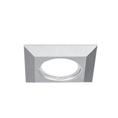 Светильник Gauss Aluminium AL007 Квадрат. Матовый алюминий, Gu5.3Квадратные<br>Встраиваемые светильники – популярное осветительное оборудование, которое можно использовать в качестве основного источника или в дополнение к люстре. Они позволяют создать нужную атмосферу атмосферу и привнести в интерьер уют и комфорт.   Интернет-магазин «Светодом» предлагает стильный встраиваемый светильник Gauss Aluminium AL007. Данная модель достаточно универсальна, поэтому подойдет практически под любой интерьер. Перед покупкой не забудьте ознакомиться с техническими параметрами, чтобы узнать тип цоколя, площадь освещения и другие важные характеристики.   Приобрести встраиваемый светильник Gauss Aluminium AL007 в нашем онлайн-магазине Вы можете либо с помощью «Корзины», либо по контактным номерам. Мы развозим заказы по Москве, Екатеринбургу и остальным российским городам.<br><br>S освещ. до, м2: 3<br>Тип лампы: галогенная/LED<br>Тип цоколя: GU5.3 (MR16)<br>Количество ламп: 1<br>Ширина, мм: 85<br>MAX мощность ламп, Вт: 50<br>Диаметр врезного отверстия, мм: 60<br>Длина, мм: 85<br>Высота, мм: 30<br>Цвет арматуры: серебристый