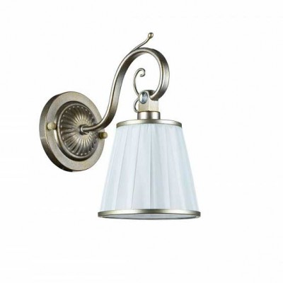 Светильник бра Maytoni ARM002-01-NG Brezzaклассические бра<br><br><br>Тип лампы: накаливания / энергосбережения / LED-светодиодная<br>Тип цоколя: E14<br>Цвет арматуры: золотой<br>Количество ламп: 1<br>Диаметр, мм мм: 140<br>Высота, мм: 270<br>MAX мощность ламп, Вт: 40