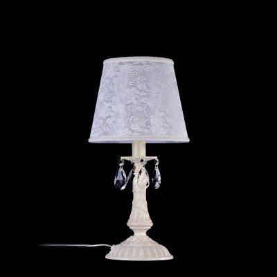 Светильник Maytoni ARM390-00-W ARM390Прованс<br>Настольная лампа – это не просто источник дополнительного освещения, но и оригинальный элемент декора. Его можно установить в спальне, гостиной, кабинете и других комнатах. Интернет-магазин «Светодом» предлагает настольные лампы разных стилей по доступным ценам. Благодаря большому ассортименту Вы обязательно найдете в нашем каталоге именно ту модель, которую искали.   Настольная лампа Maytoni ARM390-00-W – прекрасный вариант для завершения интерьера. Ее можно включить одновременно с люстрой для более яркого освещения или без нее для создания уютной атмосферы, настраивающей на отдых.   Купить настольную лампу Maytoni ARM390-00-W Вы можете с помощью виртуальной «Корзины» или по контактным номерам, указанным на сайте.<br><br>S освещ. до, м2: 2<br>Тип лампы: накаливания / энергосбережения / LED-светодиодная<br>Тип цоколя: E14<br>Количество ламп: 1<br>MAX мощность ламп, Вт: 40<br>Диаметр, мм мм: 220<br>Высота, мм: 463<br>Цвет арматуры: бежевый