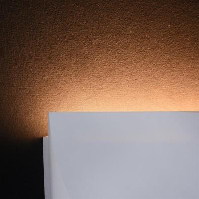 Бра Maytoni C198-WL-01-6W-W PeroХай-тек<br><br><br>Тип лампы: LED<br>Тип цоколя: LED 560 LM<br>Цвет арматуры: Белый<br>Ширина, мм: 240<br>Глубина, мм: 54<br>Высота, мм: 120<br>MAX мощность ламп, Вт: 6