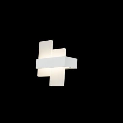 Светильник Maytoni C817WL-L10WБра хай тек стиля<br>Светильник Maytoni C817WL-L10W на протяжении многих лет притягивает к себе искушенных дизайнеров и клиентов, обустраивающих квартиру или загородный дом, а также офисные или общественные места. Благодаря эстетической тонкости и технической проработанности германская модель C817WL-L10W популярна в онлайн продажах на сайте и в наших земных магазинах сети Светодом.