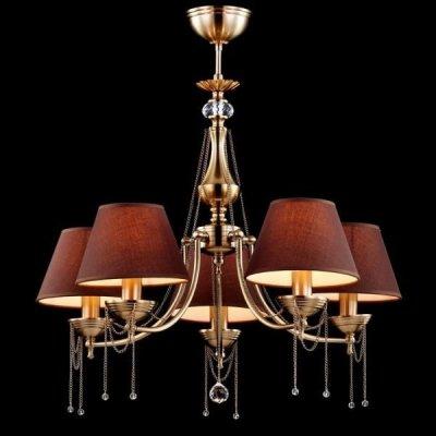 Люстра Maytoni CL0100-05-R Classic 4Подвесные<br>Немецкая компания Майтони представляет восхитительную модель хрустальной люстры для крупногабаритных помещений. Устройство, продемонстрированное на фото, состоит из пяти очаровательных плафонов, каждый из которых обтянут коричневым текстилем. Во включении состоянии лампочки (не входящие в стоимость изделия) источают внутри плафона теплый, золотистый свет, что смотрится с шоколадным цветом плафонов очень эффектно и оригинально. Также большую привлекательность хрустальной люстре Maytoni Royal Classic CL0100-05-R придают декоративные цепочки золотистого цвета с хрустальными кристаллами. Спешите купить за указанную цену люстру от Maytoni прямо сейчас.<br><br>Установка на натяжной потолок: Да<br>S освещ. до, м2: 20<br>Крепление: Крюк<br>Тип лампы: накаливания / энергосбережения / LED-светодиодная<br>Тип цоколя: E14<br>Количество ламп: 5<br>MAX мощность ламп, Вт: 60<br>Диаметр, мм мм: 600<br>Длина цепи/провода, мм: 200<br>Высота, мм: 570<br>Цвет арматуры: бронзовый