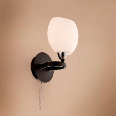 Citilux CL131312 Светильник настенный браМодерн<br><br><br>S освещ. до, м2: 4<br>Тип лампы: накаливания / энергосбережения / LED-светодиодная<br>Тип цоколя: E14<br>Количество ламп: 1<br>Ширина, мм: 160<br>MAX мощность ламп, Вт: 60<br>Размеры: Ширина 16см, Высота 20см, Глубина 16см, с выключателем<br>Расстояние от стены, мм: 160<br>Высота, мм: 200<br>Поверхность арматуры: матовый, глянцевый<br>Цвет арматуры: серебристый хром, венге