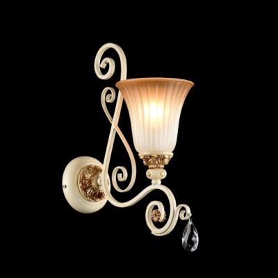 Светильник бра Maytoni CL1333-01-G SymphonyКлассика<br><br><br>Тип цоколя: E14<br>Количество ламп: 1<br>Ширина, мм: 135<br>MAX мощность ламп, Вт: 60<br>Глубина, мм: 272<br>Высота, мм: 386