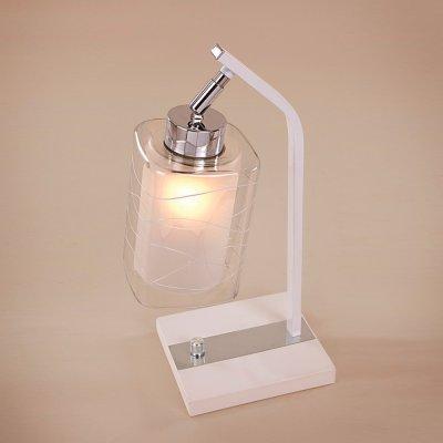 Citilux Румба CL159810 Настольная лампаСовременные<br>Настольная лампа – это не просто источник дополнительного освещения, но и оригинальный элемент декора. Его можно установить в спальне, гостиной, кабинете и других комнатах. Интернет-магазин «Светодом» предлагает настольные лампы разных стилей по доступным ценам. Благодаря большому ассортименту Вы обязательно найдете в нашем каталоге именно ту модель, которую искали.   Настольная лампа Citilux CL159810 – прекрасный вариант для завершения интерьера. Ее можно включить одновременно с люстрой для более яркого освещения или без нее для создания уютной атмосферы, настраивающей на отдых.   Купить настольную лампу Citilux CL159810 Вы можете с помощью виртуальной «Корзины» или по контактным номерам, указанным на сайте.<br><br>S освещ. до, м2: 5<br>Тип лампы: накаливания / энергосбережения / LED-светодиодная<br>Тип цоколя: E27<br>Количество ламп: 1<br>Ширина, мм: 180<br>MAX мощность ламп, Вт: 75<br>Длина, мм: 180<br>Высота, мм: 300<br>Поверхность арматуры: глянцевый, матовый<br>Цвет арматуры: серебристый