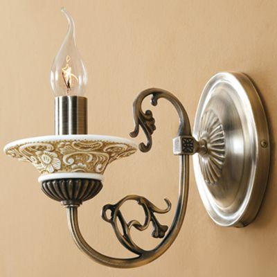 Citilux Диана CL421311 Светильник настенный браРустика<br><br><br>S освещ. до, м2: 4<br>Крепление: настенное<br>Тип лампы: накаливания / энергосбережения / LED-светодиодная<br>Тип цоколя: E14<br>Количество ламп: 1<br>Ширина, мм: 120<br>MAX мощность ламп, Вт: 60<br>Размеры: Ширина 12см, Высота 19см, Глубина 24см<br>Расстояние от стены, мм: 240<br>Высота, мм: 190<br>Поверхность арматуры: глянцевый, рельефный<br>Цвет арматуры: бронзовый
