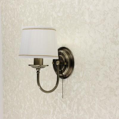 Citilux Гера CL433313 Светильник настенный браКлассические<br><br><br>Тип лампы: накаливания / энергосбережения / LED-светодиодная<br>Тип цоколя: E27<br>Количество ламп: 1<br>Ширина, мм: 180<br>MAX мощность ламп, Вт: 75<br>Расстояние от стены, мм: 240<br>Высота, мм: 290<br>Цвет арматуры: бронзовый