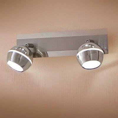 Citilux Раймонд CL555521 Светильник поворотный спотДвойные<br>Светильники-споты – это оригинальные изделия с современным дизайном. Они позволяют не ограничивать свою фантазию при выборе освещения для интерьера. Такие модели обеспечивают достаточно качественный свет. Благодаря компактным размерам Вы можете использовать несколько спотов для одного помещения.  Интернет-магазин «Светодом» предлагает необычный светильник-спот Citilux CL555521 по привлекательной цене. Эта модель станет отличным дополнением к люстре, выполненной в том же стиле. Перед оформлением заказа изучите характеристики изделия.  Купить светильник-спот Citilux CL555521 в нашем онлайн-магазине Вы можете либо с помощью формы на сайте, либо по указанным выше телефонам. Обратите внимание, что у нас склады не только в Москве и Екатеринбурге, но и других городах России.<br><br>S освещ. до, м2: 4<br>Цветовая t, К: 3000<br>Тип лампы: LED - светодиодная<br>Тип цоколя: LED<br>Цвет арматуры: серебристый<br>Количество ламп: 2<br>Ширина, мм: 300<br>Размеры: LED 5W<br>Расстояние от стены, мм: 150<br>Высота, мм: 90<br>Поверхность арматуры: глянцевый<br>MAX мощность ламп, Вт: 5