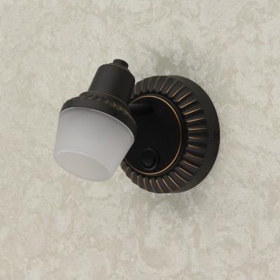 Citilux Антиб CL562511 Светильник настненно-потолочныйОдиночные<br>Светильники-споты – это оригинальные изделия с современным дизайном. Они позволяют не ограничивать свою фантазию при выборе освещения для интерьера. Такие модели обеспечивают достаточно качественный свет. Благодаря компактным размерам Вы можете использовать несколько спотов для одного помещения.  Интернет-магазин «Светодом» предлагает необычный светильник-спот Citilux CL562511 по привлекательной цене. Эта модель станет отличным дополнением к люстре, выполненной в том же стиле. Перед оформлением заказа изучите характеристики изделия.  Купить светильник-спот Citilux CL562511 в нашем онлайн-магазине Вы можете либо с помощью формы на сайте, либо по указанным выше телефонам. Обратите внимание, что у нас склады не только в Москве и Екатеринбурге, но и других городах России.<br><br>Тип лампы: накаливания / энергосбережения / LED-светодиодная<br>Тип цоколя: E14<br>Количество ламп: 1<br>Ширина, мм: 200<br>MAX мощность ламп, Вт: 60<br>Длина, мм: 100<br>Высота, мм: 155