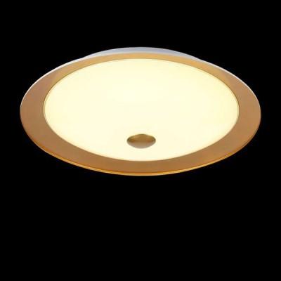 Светильник Maytoni CL815-PT35-GКруглые<br>Настенно-потолочные светильники – это универсальные осветительные варианты, которые подходят для вертикального и горизонтального монтажа. В интернет-магазине «Светодом» Вы можете приобрести подобные модели по выгодной стоимости. В нашем каталоге представлены как бюджетные варианты, так и эксклюзивные изделия от производителей, которые уже давно заслужили доверие дизайнеров и простых покупателей.  Настенно-потолочный светильник Maytoni CL815-PT35-G станет прекрасным дополнением к основному освещению. Благодаря качественному исполнению и применению современных технологий при производстве эта модель будет радовать Вас своим привлекательным внешним видом долгое время. Приобрести настенно-потолочный светильник Maytoni CL815-PT35-G можно, находясь в любой точке России. Компания «Светодом» осуществляет доставку заказов не только по Москве и Екатеринбургу, но и в остальные города.<br><br>S освещ. до, м2: 5<br>Тип лампы: LED<br>Тип цоколя: LED<br>MAX мощность ламп, Вт: 12<br>Диаметр, мм мм: 350<br>Высота, мм: 102<br>Цвет арматуры: Золотой