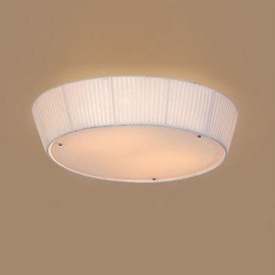 Citilux CL913141 Светильник настенно-потолочныйКруглые<br>Настенно потолочный светильник Citilux (Ситилюкс) CL913141  подходит как для установки в вертикальном положении - на стены, так и для установки в горизонтальном - на потолок. Для установки настенно потолочных светильников на натяжной потолок необходимо использовать светодиодные лампы LED, которые экономнее ламп Ильича (накаливания) в 10 раз, выделяют мало тепла и не дадут расплавиться Вашему потолку.<br><br>S освещ. до, м2: 20<br>Тип лампы: накаливания / энергосбережения / LED-светодиодная<br>Тип цоколя: E27<br>Количество ламп: 4<br>MAX мощность ламп, Вт: 75<br>Диаметр, мм мм: 550<br>Размеры: Декоративный потолочный светильник, Диаметр 55см, Высота 16см. Мягкий и яркий свет обеспечивается применением абажурного рассеивателя по боковой поверхности и стеклянного экрана снизу.<br>Высота, мм: 160<br>Поверхность арматуры: глянцевый<br>Цвет арматуры: серебристый