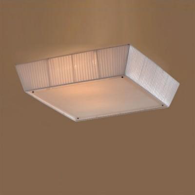 Citilux Кремовый CL914141 Светильник настенно-потолочныйКвадратные<br>Настенно потолочный светильник Citilux (Ситилюкс) CL914141  подходит как для установки в вертикальном положении - на стены, так и для установки в горизонтальном - на потолок. Для установки настенно потолочных светильников на натяжной потолок необходимо использовать светодиодные лампы LED, которые экономнее ламп Ильича (накаливания) в 10 раз, выделяют мало тепла и не дадут расплавиться Вашему потолку.<br><br>S освещ. до, м2: 20<br>Тип лампы: накаливания / энергосбережения / LED-светодиодная<br>Тип цоколя: E27<br>Количество ламп: 4<br>Ширина, мм: 550<br>MAX мощность ламп, Вт: 75<br>Размеры: Декоративный потолочный светильник, Габариты 55х55см, Высота 16см. Мягкий и яркий свет обеспечивается применением абажурного рассеивателя по боковой поверхности и стеклянного экрана снизу.<br>Высота, мм: 160<br>Поверхность арматуры: глянцевый<br>Цвет арматуры: серебристый