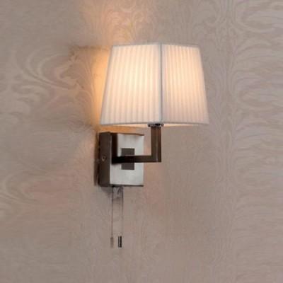 Citilux Кремовый CL914311 Светильник настенный браКлассические<br><br><br>S освещ. до, м2: 2<br>Тип лампы: накаливания / энергосбережения / LED-светодиодная<br>Тип цоколя: E14<br>Количество ламп: 1<br>Ширина, мм: 160<br>MAX мощность ламп, Вт: 40<br>Размеры: Высота 28см, Ширина16см, Глубина 18см, с Выключателем<br>Расстояние от стены, мм: 180<br>Высота, мм: 280<br>Поверхность арматуры: глянцевый<br>Цвет арматуры: серебристый