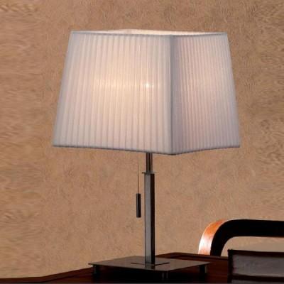 Citilux Кремовый CL914811 Настольная лампаС абажуром<br>Настольная лампа – это не просто источник дополнительного освещения, но и оригинальный элемент декора. Его можно установить в спальне, гостиной, кабинете и других комнатах. Интернет-магазин «Светодом» предлагает настольные лампы разных стилей по доступным ценам. Благодаря большому ассортименту Вы обязательно найдете в нашем каталоге именно ту модель, которую искали.   Настольная лампа Citilux CL914811 – прекрасный вариант для завершения интерьера. Ее можно включить одновременно с люстрой для более яркого освещения или без нее для создания уютной атмосферы, настраивающей на отдых.   Купить настольную лампу Citilux CL914811 Вы можете с помощью виртуальной «Корзины» или по контактным номерам, указанным на сайте.<br><br>S освещ. до, м2: 5<br>Тип лампы: накал-я - энергосбер-я<br>Тип цоколя: E27<br>Количество ламп: 1<br>Ширина, мм: 250<br>MAX мощность ламп, Вт: 75<br>Размеры: Габариты 25х25см, Высота 43см<br>Высота, мм: 430<br>Поверхность арматуры: глянцевый<br>Цвет арматуры: серебристый