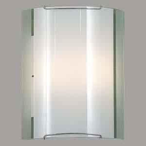Citilux Лайн CL922081 Светильник настенный браНакладные<br><br><br>S освещ. до, м2: 13<br>Тип лампы: накаливания / энергосбережения / LED-светодиодная<br>Тип цоколя: E27<br>Количество ламп: 2<br>Ширина, мм: 240<br>MAX мощность ламп, Вт: 100<br>Размеры: Стеклянный рассеиватель, Высота 30см, Ширина 24см, Глубина 11см.<br>Расстояние от стены, мм: 110<br>Высота, мм: 300<br>Поверхность арматуры: глянцевый<br>Цвет арматуры: серебристый