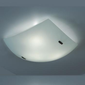 Citilux Белый CL933011 Светильник настенно-потолочныйКвадратные<br>Настенно потолочный светильник Citilux (Ситилюкс) CL933011  подходит как для установки в вертикальном положении - на стены, так и для установки в горизонтальном - на потолок. Для установки настенно потолочных светильников на натяжной потолок необходимо использовать светодиодные лампы LED, которые экономнее ламп Ильича (накаливания) в 10 раз, выделяют мало тепла и не дадут расплавиться Вашему потолку.<br><br>S освещ. до, м2: 20<br>Тип лампы: накаливания / энергосбережения / LED-светодиодная<br>Тип цоколя: E27<br>Количество ламп: 3<br>Ширина, мм: 400<br>MAX мощность ламп, Вт: 100<br>Размеры: Габариты<br>Расстояние от стены, мм: 110<br>Поверхность арматуры: глянцевый<br>Цвет арматуры: белый