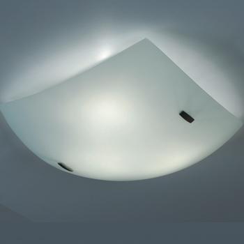 Citilux Белый CL934011 Светильник настенно-потолочныйКвадратные<br>Настенно потолочный светильник Citilux (Ситилюкс) CL934011  подходит как для установки в вертикальном положении - на стены, так и для установки в горизонтальном - на потолок. Для установки настенно потолочных светильников на натяжной потолок необходимо использовать светодиодные лампы LED, которые экономнее ламп Ильича (накаливания) в 10 раз, выделяют мало тепла и не дадут расплавиться Вашему потолку.<br><br>S освещ. до, м2: 26<br>Тип лампы: накаливания / энергосбережения / LED-светодиодная<br>Тип цоколя: E27<br>Количество ламп: 4<br>Ширина, мм: 500<br>MAX мощность ламп, Вт: 100<br>Размеры: Габариты<br>Расстояние от стены, мм: 130<br>Поверхность арматуры: глянцевый<br>Цвет арматуры: белый