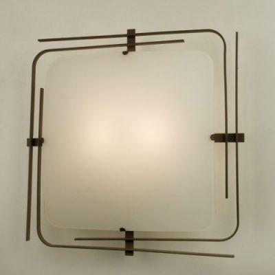 Citilux Спутник CL939201 Светильник настенно-потолочныйквадратные светильники<br>Настенно-потолочные светильники – это универсальные осветительные варианты, которые подходят для вертикального и горизонтального монтажа. В интернет-магазине «Светодом» Вы можете приобрести подобные модели по выгодной стоимости. В нашем каталоге представлены как бюджетные варианты, так и эксклюзивные изделия от производителей, которые уже давно заслужили доверие дизайнеров и простых покупателей.  Настенно-потолочный светильник Citilux CL939201 станет прекрасным дополнением к основному освещению. Благодаря качественному исполнению и применению современных технологий при производстве эта модель будет радовать Вас своим привлекательным внешним видом долгое время. Приобрести настенно-потолочный светильник Citilux CL939201 можно, находясь в любой точке России.<br><br>S освещ. до, м2: 13<br>Тип лампы: накаливания / энергосбережения / LED-светодиодная<br>Тип цоколя: E27<br>Цвет арматуры: венге<br>Количество ламп: 2<br>Ширина, мм: 300<br>Размеры: Высота 9 см. Габариты 39х39 см.<br>Длина, мм: 300<br>Расстояние от стены, мм: 90<br>Высота, мм: 90<br>Поверхность арматуры: глянцевый<br>MAX мощность ламп, Вт: 100