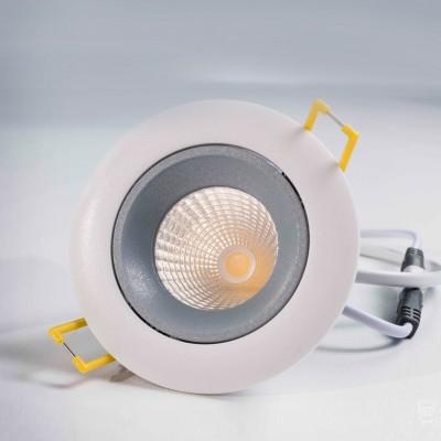 Citilux Альфа CLD001W3 Светильник встраиваемыйКруглые LED<br>Встраиваемые светильники – популярное осветительное оборудование, которое можно использовать в качестве основного источника или в дополнение к люстре. Они позволяют создать нужную атмосферу атмосферу и привнести в интерьер уют и комфорт.   Интернет-магазин «Светодом» предлагает стильный встраиваемый светильник Citilux CLD001W3. Данная модель достаточно универсальна, поэтому подойдет практически под любой интерьер. Перед покупкой не забудьте ознакомиться с техническими параметрами, чтобы узнать тип цоколя, площадь освещения и другие важные характеристики.   Приобрести встраиваемый светильник Citilux CLD001W3 в нашем онлайн-магазине Вы можете либо с помощью «Корзины», либо по контактным номерам. Мы развозим заказы по Москве, Екатеринбургу и остальным российским городам.<br><br>Цветовая t, К: 3000<br>Тип лампы: LED<br>Тип цоколя: LED<br>Количество ламп: 1<br>MAX мощность ламп, Вт: 7<br>Диаметр, мм мм: 90<br>Диаметр врезного отверстия, мм: 80<br>Высота, мм: 3<br>Цвет арматуры: белый