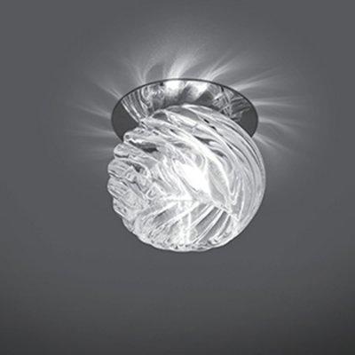 Светильник Gauss Crystal CR004, G9Декоративные<br>Встраиваемые светильники – популярное осветительное оборудование, которое можно использовать в качестве основного источника или в дополнение к люстре. Они позволяют создать нужную атмосферу атмосферу и привнести в интерьер уют и комфорт.   Интернет-магазин «Светодом» предлагает стильный встраиваемый светильник Gauss Crystal CR004. Данная модель достаточно универсальна, поэтому подойдет практически под любой интерьер. Перед покупкой не забудьте ознакомиться с техническими параметрами, чтобы узнать тип цоколя, площадь освещения и другие важные характеристики.   Приобрести встраиваемый светильник Gauss Crystal CR004 в нашем онлайн-магазине Вы можете либо с помощью «Корзины», либо по контактным номерам. Мы развозим заказы по Москве, Екатеринбургу и остальным российским городам.<br><br>S освещ. до, м2: 3<br>Тип лампы: галогенная<br>Тип цоколя: G9<br>Количество ламп: 1<br>MAX мощность ламп, Вт: 50<br>Диаметр, мм мм: 80<br>Диаметр врезного отверстия, мм: 50<br>Высота, мм: 85<br>Цвет арматуры: серебристый