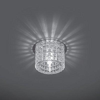 Светильник Gauss Crystal CR031, G9Круглые<br>Встраиваемые светильники – популярное осветительное оборудование, которое можно использовать в качестве основного источника или в дополнение к люстре. Они позволяют создать нужную атмосферу атмосферу и привнести в интерьер уют и комфорт.   Интернет-магазин «Светодом» предлагает стильный встраиваемый светильник Gauss Crystal CR031. Данная модель достаточно универсальна, поэтому подойдет практически под любой интерьер. Перед покупкой не забудьте ознакомиться с техническими параметрами, чтобы узнать тип цоколя, площадь освещения и другие важные характеристики.   Приобрести встраиваемый светильник Gauss Crystal CR031 в нашем онлайн-магазине Вы можете либо с помощью «Корзины», либо по контактным номерам. Мы развозим заказы по Москве, Екатеринбургу и остальным российским городам.<br><br>S освещ. до, м2: 3<br>Тип лампы: галогенная<br>Тип цоколя: G9<br>Количество ламп: 1<br>MAX мощность ламп, Вт: 50<br>Диаметр, мм мм: 65<br>Диаметр врезного отверстия, мм: 50<br>Высота, мм: 80<br>Цвет арматуры: серебристый