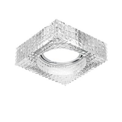 Светильник Gauss Glass CR032 Кристал, Gu5.3Хрустальные<br>Встраиваемые светильники – популярное осветительное оборудование, которое можно использовать в качестве основного источника или в дополнение к люстре. Они позволяют создать нужную атмосферу атмосферу и привнести в интерьер уют и комфорт.   Интернет-магазин «Светодом» предлагает стильный встраиваемый светильник Glass CR032. Данная модель достаточно универсальна, поэтому подойдет практически под любой интерьер. Перед покупкой не забудьте ознакомиться с техническими параметрами, чтобы узнать тип цоколя, площадь освещения и другие важные характеристики.   Приобрести встраиваемый светильник Glass CR032 в нашем онлайн-магазине Вы можете либо с помощью «Корзины», либо по контактным номерам. Мы развозим заказы по Москве, Екатеринбургу и остальным российским городам.<br><br>S освещ. до, м2: 3<br>Тип лампы: галогенная/LED<br>Тип цоколя: GU5.3 (MR16)<br>Количество ламп: 1<br>Ширина, мм: 80<br>MAX мощность ламп, Вт: 50<br>Диаметр врезного отверстия, мм: 60<br>Длина, мм: 80<br>Высота, мм: 50<br>Цвет арматуры: серебристый