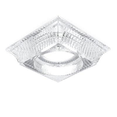 Светильник Gauss Glass CR053 Кристалл/Хром, Gu5.3Хрустальные<br>Встраиваемые светильники – популярное осветительное оборудование, которое можно использовать в качестве основного источника или в дополнение к люстре. Они позволяют создать нужную атмосферу атмосферу и привнести в интерьер уют и комфорт.   Интернет-магазин «Светодом» предлагает стильный встраиваемый светильник Glass CR053. Данная модель достаточно универсальна, поэтому подойдет практически под любой интерьер. Перед покупкой не забудьте ознакомиться с техническими параметрами, чтобы узнать тип цоколя, площадь освещения и другие важные характеристики.   Приобрести встраиваемый светильник Glass CR053 в нашем онлайн-магазине Вы можете либо с помощью «Корзины», либо по контактным номерам. Мы развозим заказы по Москве, Екатеринбургу и остальным российским городам.<br><br>S освещ. до, м2: 3<br>Тип лампы: галогенная/LED<br>Тип цоколя: GU5.3 (MR16)<br>Количество ламп: 1<br>Ширина, мм: 90<br>MAX мощность ламп, Вт: 50<br>Диаметр врезного отверстия, мм: 65<br>Длина, мм: 90<br>Высота, мм: 55<br>Цвет арматуры: серебристый