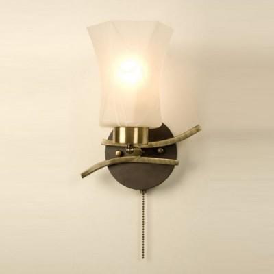 Citilux Мерида CL142313 Светильник настенный браСовременные<br>Изящный настенный светильник Citilux CL142313 привлекает внимание и покоряет с первого взгляда! Белый матовый плафон напоминает распускающийся цветочный бутон, что в сочетании с «теплым» бронзовым оттенком выглядит невероятно красиво и очаровательно.  Светильник прекрасно подойдет в качестве подсветки по направлению «снизу вверх», особенно выигрышно это смотрится при световом акценте картин, стеклянных полок, растений и т.п. Рекомендуем Вам использовать бра в комплекте из нескольких экземпляров и потолочной люстрой из этой же серии, чтобы интерьер стал уютным, «цельным» и запоминающимся.<br><br>S освещ. до, м2: 5<br>Крепление: настенное<br>Тип лампы: накаливания / энергосбережения / LED-светодиодная<br>Тип цоколя: E27<br>Цвет арматуры: бронзовый, венге<br>Количество ламп: 1<br>Ширина, мм: 220<br>Размеры: Ширина 22см, Высота 25см, Глубина 15см, с выключателем<br>Длина, мм: 600<br>Расстояние от стены, мм: 250<br>Высота, мм: 250<br>Поверхность арматуры: глянцевый<br>Оттенок (цвет): белый<br>MAX мощность ламп, Вт: 75