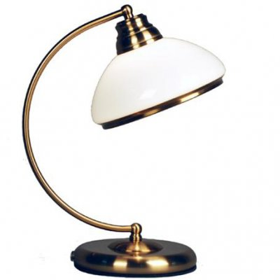 Citilux Краков CL401813 Настольная лампасоветские настольные лампы СССР<br>Для того чтобы наполнить светом практически любую настольную поверхность, обратитесь к беспроигрышной классике. К примеру, настольной лампе Citilux CL40181 от ведущих датских производителей. Она изящна и лаконична в своих аккуратных пропорциях и плавном изгибе! Силуэт изделия пропитан бронзовым сиянием, а плафон представлен в белоснежно-молочной цветовой палитре, что придаёт лампе нежное обрамление. Вы сможете использовать светильник на любой поверхности: будь то стол или тумба, комод или журнальный столик. Лампа Citilux CL40181 станет восхитительным элементом декора Вашего интерьера на долгие прекрасные годы. Перед Вами непоколебимая и изысканная классика в достойном исполнении!<br><br>S освещ. до, м2: 5<br>Тип лампы: накаливания / энергосбережения / LED-светодиодная<br>Тип цоколя: E27<br>Цвет арматуры: бронзовый<br>Количество ламп: 1<br>Ширина, мм: 200<br>Размеры: Габариты 20х30см, Высота 36см, выдувное молочнобелое стекло<br>Высота, мм: 360<br>Поверхность арматуры: глянцевый<br>MAX мощность ламп, Вт: 75