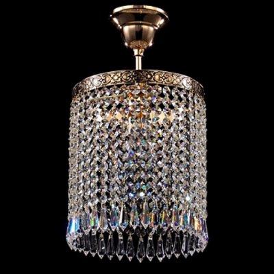 Светильник Maytoni D783-PT20-1-G SferaПотолочные<br>Обворожительная хрустальная люстра, предлагаемая к покупке немецкой компанией Майтони, представлена на фото. Она прекрасно дополнит любую крупногабаритную комнату. Обратите внимание на то, насколько яркой выглядит простая по форме хрустальная люстра Maytoni Diamant Crystal D783-PT20-1-G. И достигается это благодаря высоким, и часто расположенным, хрустальным подвескам. Не только роскошный дизайн прибора привлекает внимание наших клиентов, но и его разумная стоимость. Высокое качество поставляемого брендом Maytoni комплекта в полной мере соответствует указанной на сайте цене.<br><br>Установка на натяжной потолок: Да<br>S освещ. до, м2: 4<br>Крепление: Крюк<br>Тип лампы: накаливания / энергосбережения / LED-светодиодная<br>Тип цоколя: E27<br>Количество ламп: 1<br>MAX мощность ламп, Вт: 60<br>Диаметр, мм мм: 200<br>Высота, мм: 350<br>Цвет арматуры: золотой