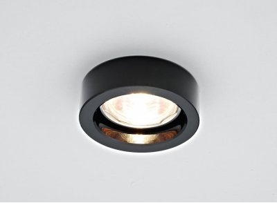 Встраиваемый светильник Ambrella D9160 BKТочечные светильники круглые<br>Встраиваемые светильники – популярное осветительное оборудование, которое можно использовать в качестве основного источника или в дополнение к люстре. Они позволяют создать нужную атмосферу атмосферу и привнести в интерьер уют и комфорт. <br> Интернет-магазин «Светодом» предлагает стильный встраиваемый светильник Ambrella D9160 BK. Данная модель достаточно универсальна, поэтому подойдет практически под любой интерьер. Перед покупкой не забудьте ознакомиться с техническими параметрами, чтобы узнать тип цоколя, площадь освещения и другие важные характеристики. <br> Приобрести встраиваемый светильник Ambrella D9160 BK в нашем онлайн-магазине Вы можете либо с помощью «Корзины», либо по контактным номерам. Мы развозим заказы по Москве, Екатеринбургу и остальным российским городам.<br><br>S освещ. до, м2: 2,5<br>Тип лампы: галогенная<br>Тип цоколя: GU5.3<br>Цвет арматуры: серебристый<br>Количество ламп: 1<br>Диаметр, мм мм: 80<br>Диаметр врезного отверстия, мм: 65<br>Высота, мм: 25<br>Поверхность арматуры: матовая<br>Оттенок (цвет): черный<br>MAX мощность ламп, Вт: 50