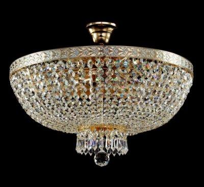 Люстра Maytoni DIA750-PT50-WG Diamant 6Потолочные<br>Хрустальные люстры не выходят из моды, они также хороши, как и раньше. Компания Майтони из Германии предлагает нам купить великолепный образец в стиле барокко из хрусталя. Люстра хрустальная потолочная Maytoni DIA750-PT50-WG выглядит действительно роскошно. Даже фото передает изысканный блеск, который излучают хрустальные подвески этого светильника от Maytoni. Основание люстры изготовлено из металла и покрыто оттенком светлого золота. Крепится изделие при помощи крюка. Модель рассчитана на шесть ламп, которые вы можете купить на нашем сайте, по низкой цене и в нужном вам количестве. Стоимость самой люстры совсем невысока, ведь и ее качество, и великолепный дизайн достойны королевских интерьеров.<br><br>Установка на натяжной потолок: Да<br>S освещ. до, м2: 24<br>Крепление: Крюк<br>Тип лампы: накаливания / энергосбережения / LED-светодиодная<br>Тип цоколя: E14<br>Количество ламп: 6<br>MAX мощность ламп, Вт: 60<br>Диаметр, мм мм: 500<br>Высота, мм: 370<br>Цвет арматуры: белый с золотистой патиной