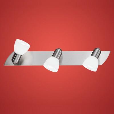Eglo ENEA 90985 Светильник поворотный спотТройные<br>Светильники-споты – это оригинальные изделия с современным дизайном. Они позволяют не ограничивать свою фантазию при выборе освещения для интерьера. Такие модели обеспечивают достаточно качественный свет. Благодаря компактным размерам Вы можете использовать несколько спотов для одного помещения.  Интернет-магазин «Светодом» предлагает необычный светильник-спот Eglo 90985 по привлекательной цене. Эта модель станет отличным дополнением к люстре, выполненной в том же стиле. Перед оформлением заказа изучите характеристики изделия.  Купить светильник-спот Eglo 90985 в нашем онлайн-магазине Вы можете либо с помощью формы на сайте, либо по указанным выше телефонам. Обратите внимание, что у нас склады не только в Москве и Екатеринбурге, но и других городах России.<br><br>S освещ. до, м2: 8<br>Тип лампы: накал-я - энергосбер-я<br>Тип цоколя: E14<br>Количество ламп: 3<br>Ширина, мм: 70<br>MAX мощность ламп, Вт: 2<br>Размеры основания, мм: 0<br>Длина, мм: 500<br>Оттенок (цвет): белый<br>Цвет арматуры: серый<br>Общая мощность, Вт: 3X40W