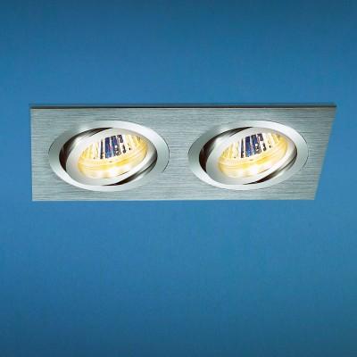 Светильник Elektrostandart 1011/2 хромКарданные<br>Лампы: 2 х MR16 G5.3 max 50 Вт Размер: 173 х 93 мм Высота внутренней части: ? 26 мм Высота внешней части: ? 3 мм Монтажное отверстие: 162 х 80 мм Гарантия: 2 года Светильники имеют поворотный механизм Корпус из алюминия<br><br>Тип лампы: галогенная<br>Тип цоколя: G5.3<br>Цвет арматуры: хром<br>Количество ламп: 2<br>Ширина, мм: 92<br>Диаметр врезного отверстия, мм: 80 x 162<br>Длина, мм: 173<br>Высота, мм: 35<br>MAX мощность ламп, Вт: 50