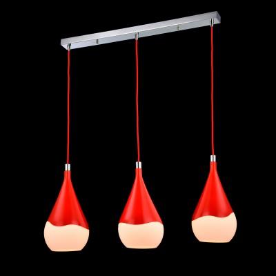 Светильник Maytoni F013-33-R F013Тройные<br><br><br>Крепление: планка<br>Тип товара: Подвесной светильник<br>Скидка, %: 31<br>Тип лампы: накаливания / энергосбережения / LED-светодиодная<br>Тип цоколя: E14<br>Количество ламп: 3<br>Ширина, мм: 165<br>MAX мощность ламп, Вт: 60<br>Длина цепи/провода, мм: 830<br>Длина, мм: 765<br>Высота, мм: 400 - 1200<br>Цвет арматуры: красный